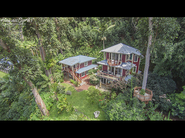Real estate aerial photograph of Waipeo Rim Bed and Breakfast
